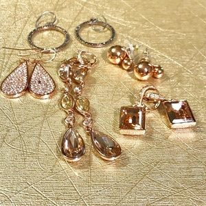 Jewelry - 5Pairs of rose-gold earrings